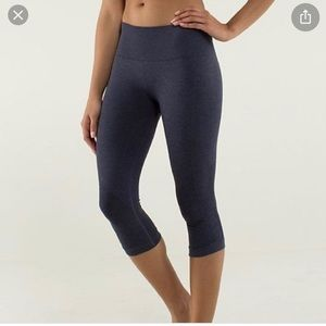 Lululemon seamless crop leggings size 4
